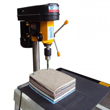 máquina para furar mostruários de tecidos